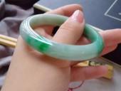 完美飄陽綠寬邊手鐲52.9