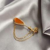 豪鑲蜜糖黃翡胸針